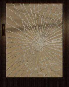 vitre cassée par un cambrioleur